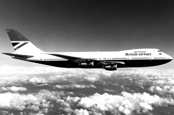 British Airways Boeing 747 in der Lackierung des Designbüros Negus & Negus - Archivfoto