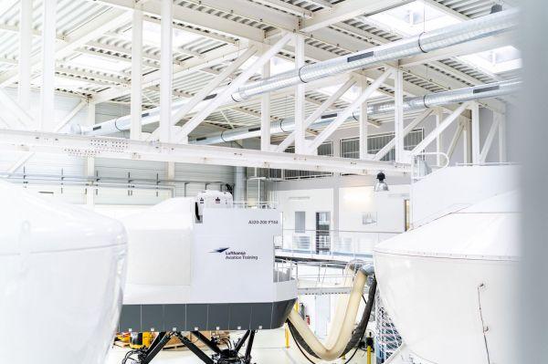 Lufthansa Aviation Training Simulator