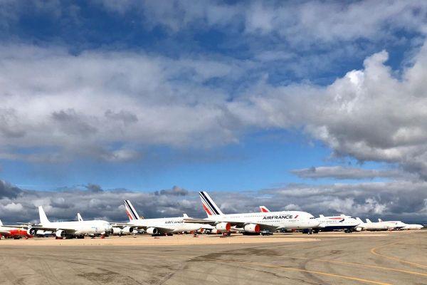 Geparkte Flugzeuge in Teruel