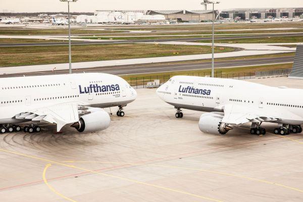 Lufthansa Airbus A380 und Boeing 747-8