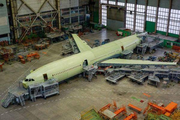 Iljuschin Il-96-400M