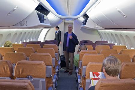 TUI-Tochter Jetairfly übernimmt erste 737NG mit Boeings New Skyinterior