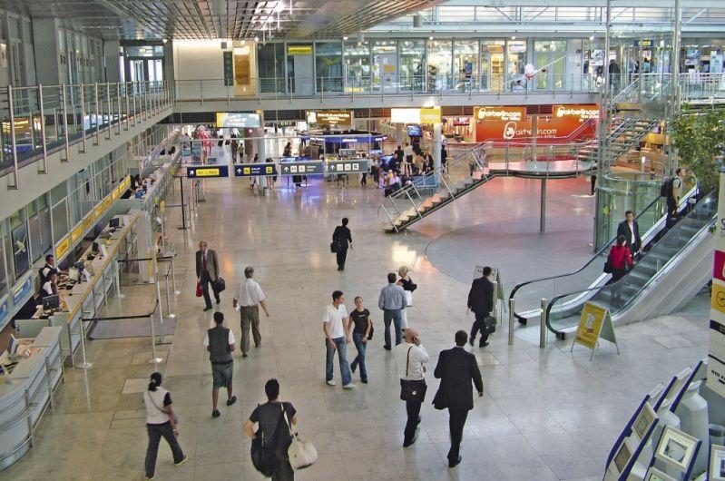 Über eine Million Fluggäste am Allgäu Airport Memmingen