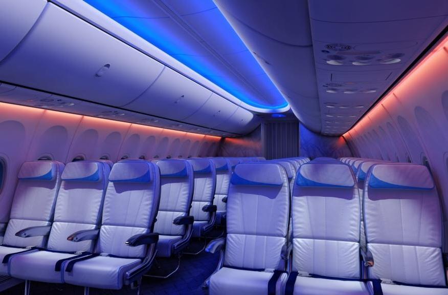 """Boeing liefert erste 737NG mit neuer """"Sky Interior""""-Kabine aus"""