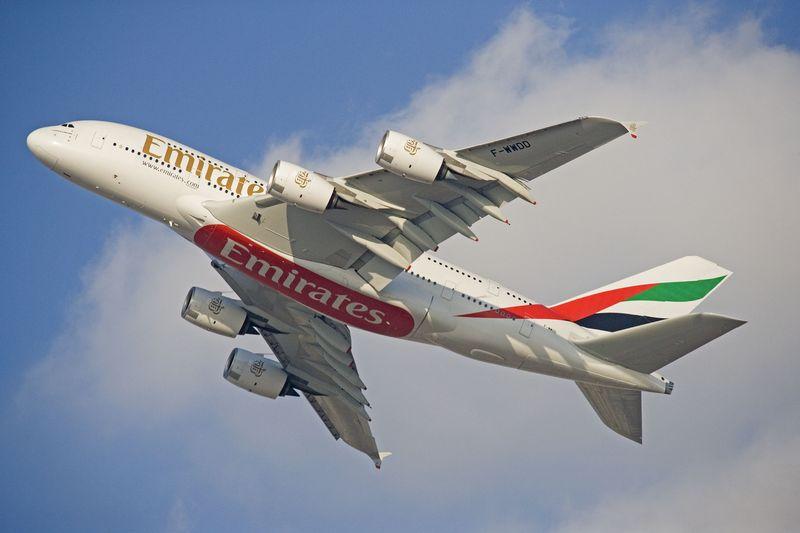 Mit Super-Airbus A380 - Emirates will täglich Hamburg anfliegen