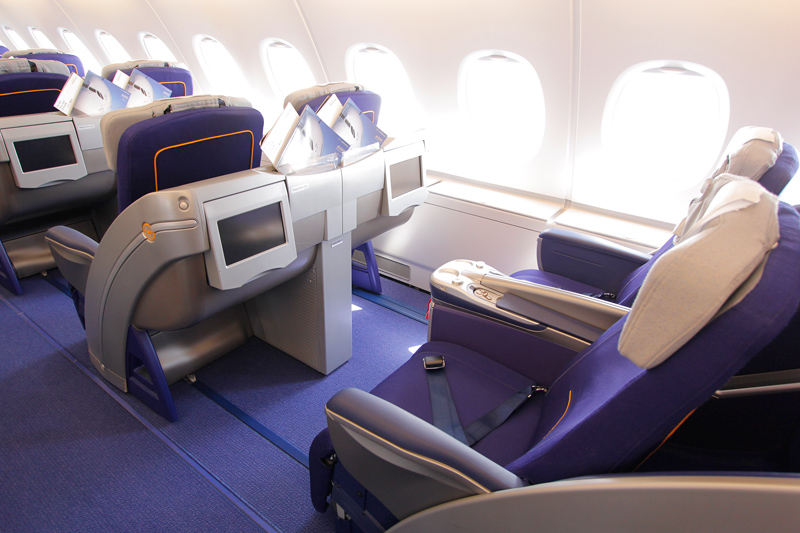 lufthansa a380 taufe wiener feiern ihren super jumbo. Black Bedroom Furniture Sets. Home Design Ideas