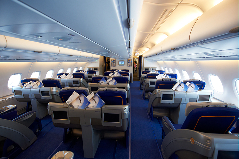 the gallery for lufthansa a380 business class. Black Bedroom Furniture Sets. Home Design Ideas