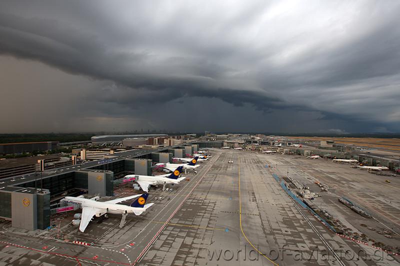 Frankfurt - Flughafen nimmt Betrieb nach Gewitter wieder auf