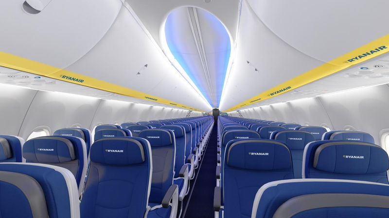 Ryanair verabschiedet sich vom grellen gelb for Interieur avion ryanair