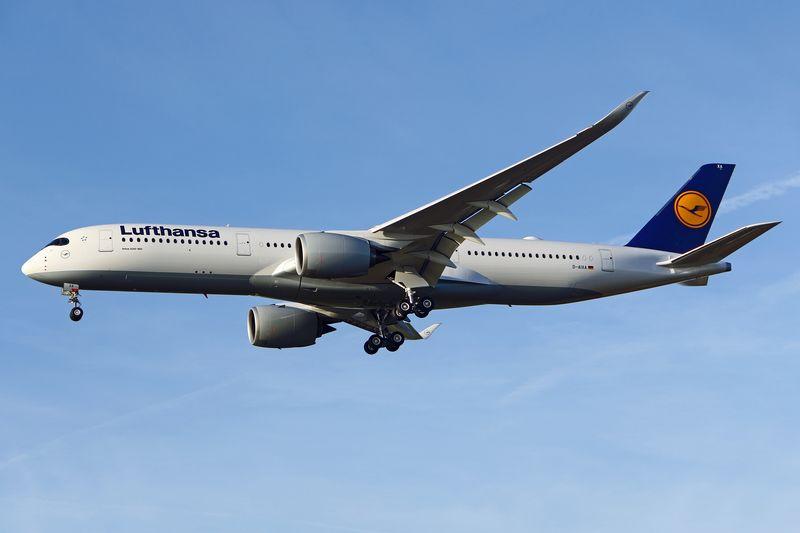 Lufthansa streicht mehr Führungsjobs